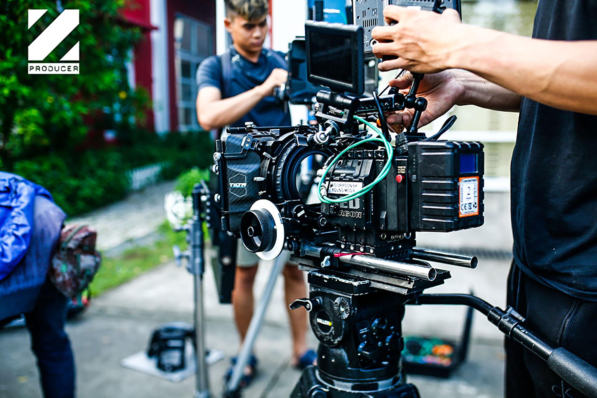 tổ quay phim của ekip sản xuất 04