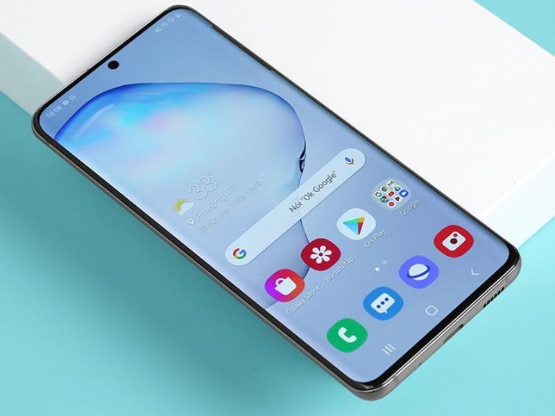 Một số Smartphone như Samsung Galaxy S20 sử dụng màn hình 2K+